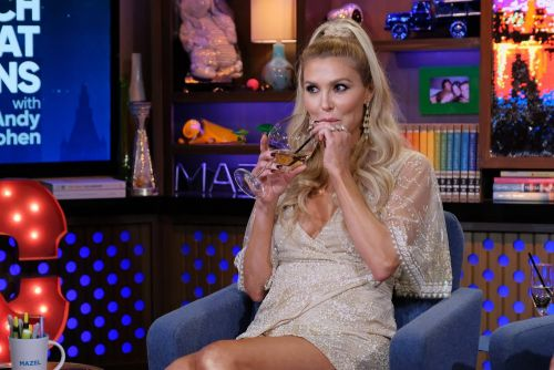"""Brandi Glanville Says She Drunkenly Approached Brad Pitt And Angelina Jolie; Told Angelina They Share The Same """"Boob Doctor"""""""