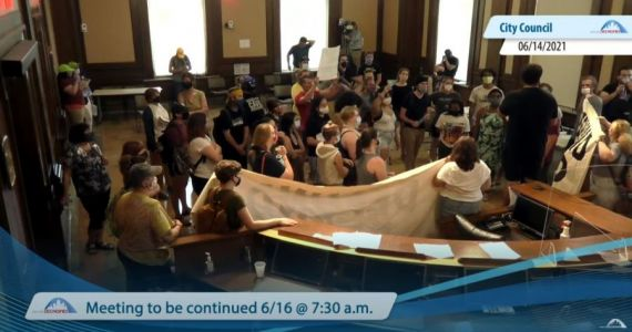 Des Moines City Council suspends in-person meeting due to protests