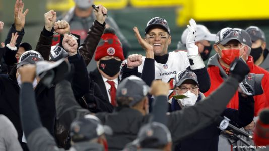 Road warriors: Bucs win at Green Bay, reach Super Bowl