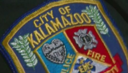 1 man critically injured in Kalamazoo crash