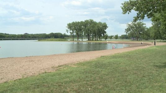Gray's Lake Beach Closed Due to E.Coli