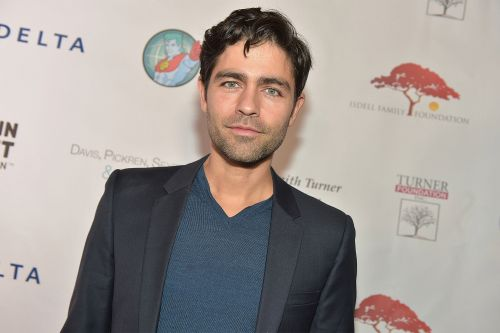 Adrian Grenier goes on date with mystery woman - and 2 dogs