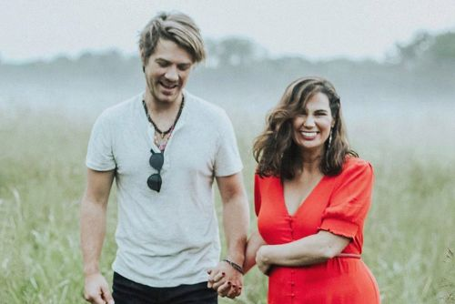 Taylor Hanson & Wife Natalie Expecting Baby 7