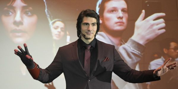 Legends Of Tomorrow Is Losing Brandon Routh And One More In Season 5