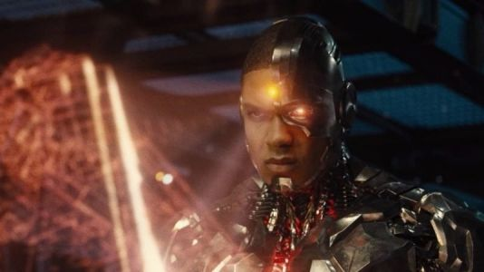 New Zack Snyder's Justice League Photo Features Cyborg & The Flash