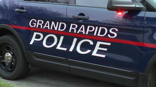 Pedestrian killed in Grand Rapids crash