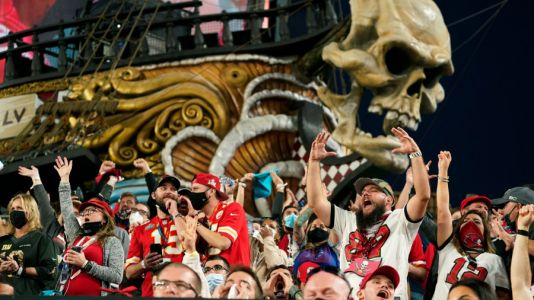Tampa mayor frustrated by maskless fans after Super Bowl