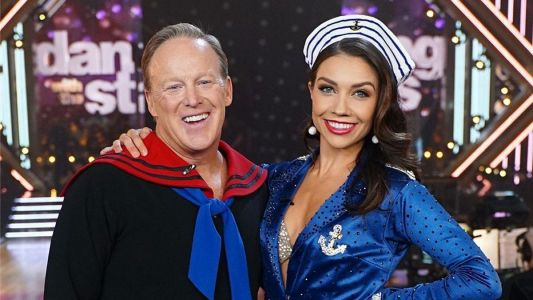 'Dancing with the Stars' Sean Spicer to reportedly dance with Jenna Johnson again instead of Lindsay Arnold