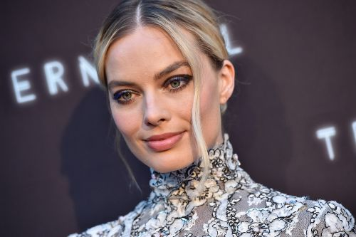 Margot Robbie wears Sharon Tate's jewelry in 'Once Upon A Time In Hollywood'