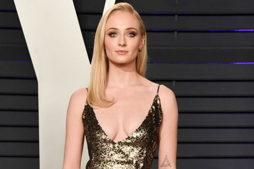 Sophie Turner addresses her sexuality: 'Everyone experiments'