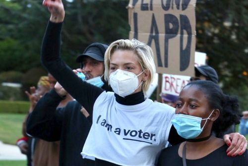 Jaime King claims she was arrested during peaceful LA protest