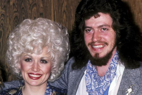 Dolly Parton's brother Floyd Parton dies at 61