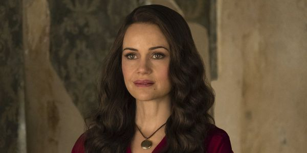 Why The Haunting Of Hill House's Carla Gugino Is Excited The Netflix Show Is Hitting Blu-ray