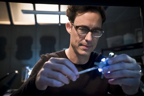 Tom Cavanagh and Carlos Valdes Exiting The Flash