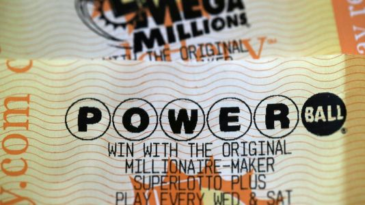 Giant Jackpots: Mega Millions Reaches $850M; Powerball Up to $730M