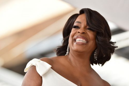 TNT orders Niecy Nash late-night show pilot
