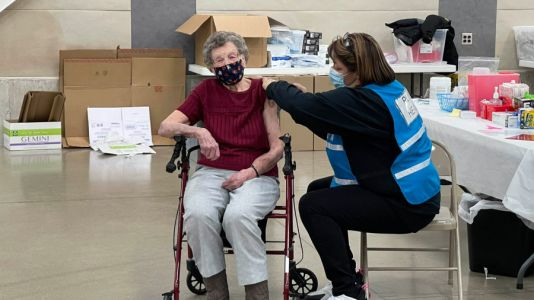 101-year-old gets COVID-19 vaccine as Kzoo Co. hosts clinic for seniors