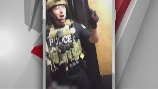 Viral Video Shows Arrest of Protestors in Des Moines Apartment Building
