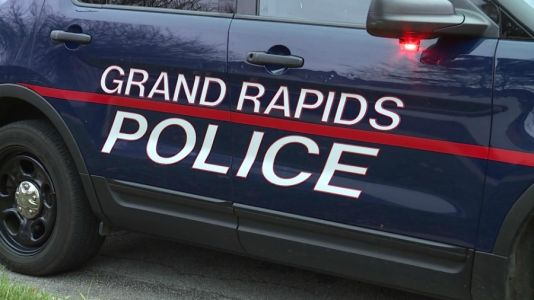 GRPD search for subjects who ran during traffic stop