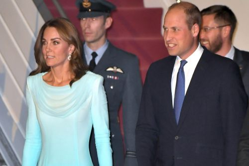 Kate Middleton wears blue shalwar kameez on first day of Pakistan tour