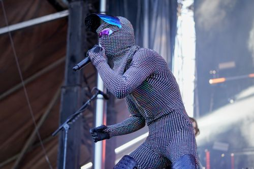 Cage the Elephant frontman explains his new 'biometric' stage look