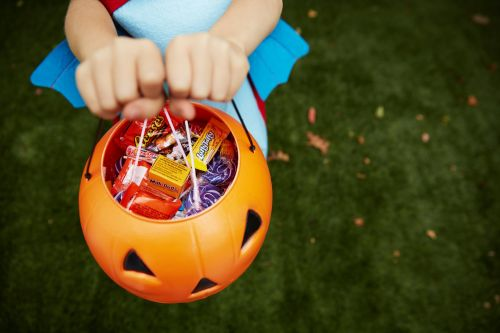 I'm Letting My 8-Year-Old Trick-or-Treat Without Supervision, Just Like My Parents Did